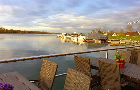 Rheinmuenster, Duitsland: Sicht von der Terasse