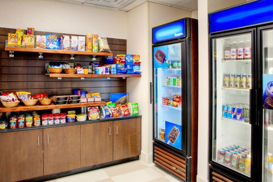 Hampton Inn & Suites Denver Tech Center: Suite Shop