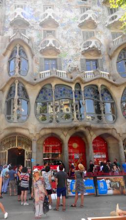 Casa Batllo: À frente da interessante e charmosa cas Batló...