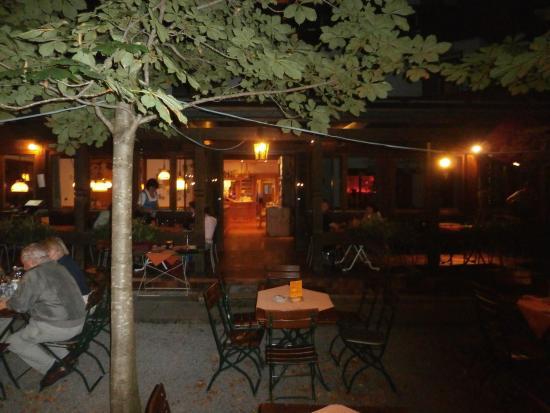 Gasthaus Rote Wand: Dîner en terrasse