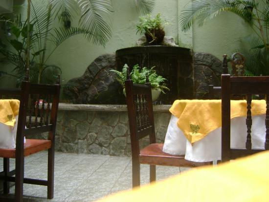 Apartotel Tairona: Centro del hotel cómodo.
