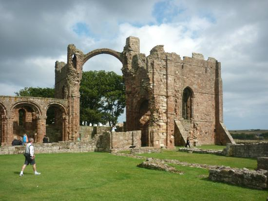 Tankerville Arms: Lindisfarne Priory, Holy Island