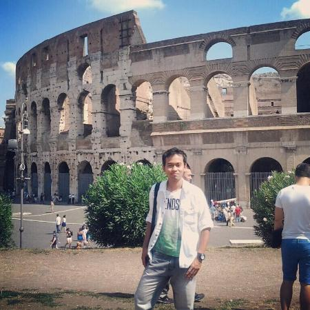 Colosseum: Spectacular!! Finally gw sempet juga menginjakkan kaki disini, salah satu dari 7 keajaiban dunia