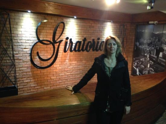 Giratorio Restaurant: Entrada do salão