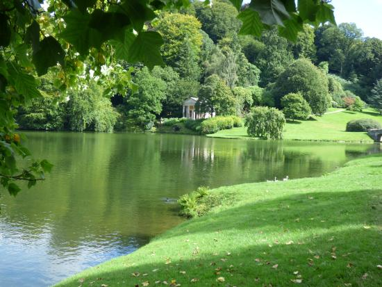 Stourhead House and Garden: Stourhead gardens