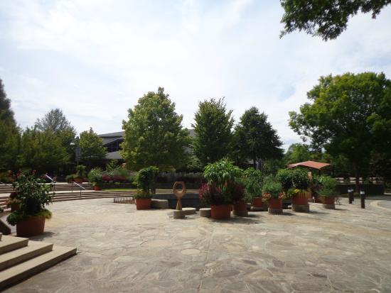 The North Carolina Arboretum: NC Arboretum