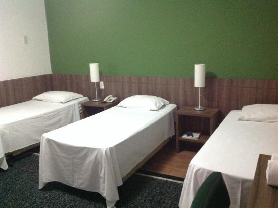 Samambaia Executive Hotel: AP. QUÁDRUPLO