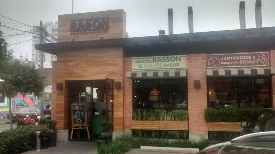 RASSON: La fachada.