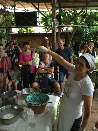 Le Colline di Sorrento: Our demonstration of the cheese making