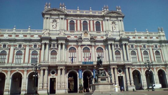 Piazza Carlo Alberto - 1