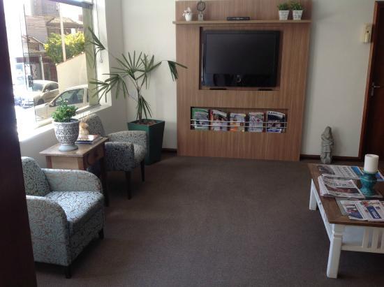 Samambaia Executive Hotel: SALA TV
