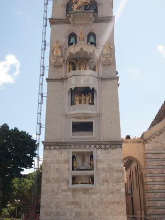 Duomo di Messina: Clock tower