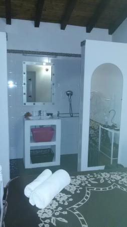 Tapada da Eira e Chança: Entrada da casa de banho