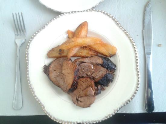 UMAMI: Bondiola muy tierna y papas con pimenton exquisitas