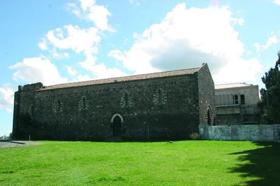 Complesso Monumentale di San Francesco Alla Collina: Una veduta del complesso