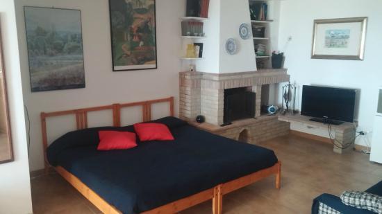 Le Querce: monolocale con soggiorno/letto e cucina