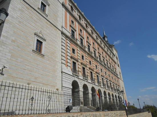 Toledo City Tour: Alcazar