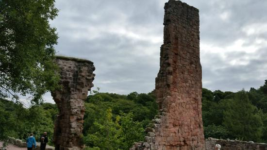 Heart of Scotland Tours: Rosslyn Castle - a ruin now that must have been grand