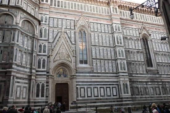 Piazza del Duomo: Fachada catedral