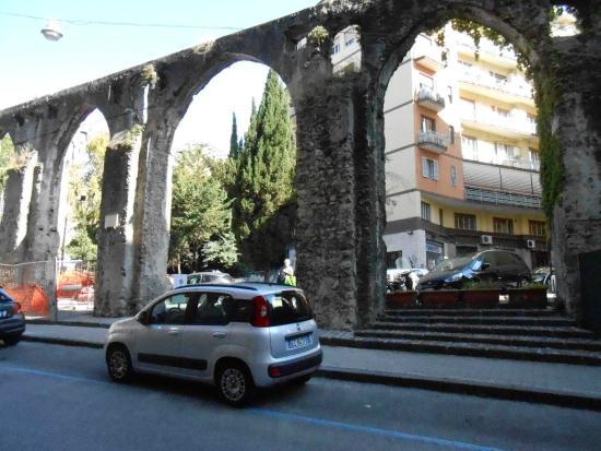 Salerno, Italia: Arcos