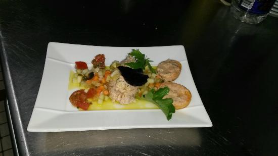 Restaurant de l'hotel le Laurier: Rillette de Saumon et sa vinaigrette gourmande