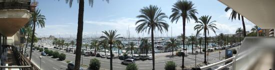 Hotel Mirador: Panoramic view from the balcony of room 201.