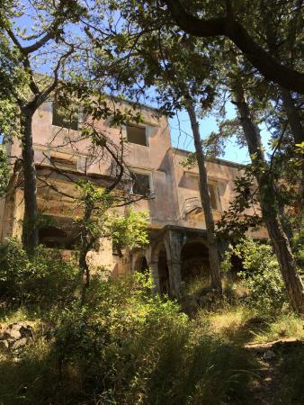 Madonna: Die Ruine der Vila Mira