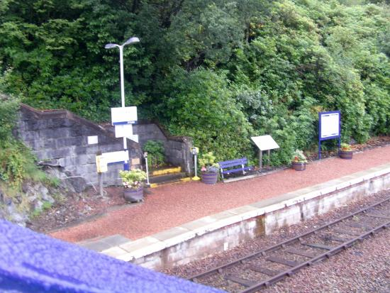 Loch Awe Hotel: station at the bottom