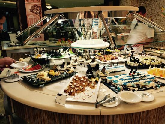 Atlantica Caldera Palace Resort & Spa: Yummy Sweet Buffet