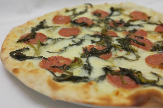 Pizzeria Gnoccheria Chiringuito: Pizza salamina