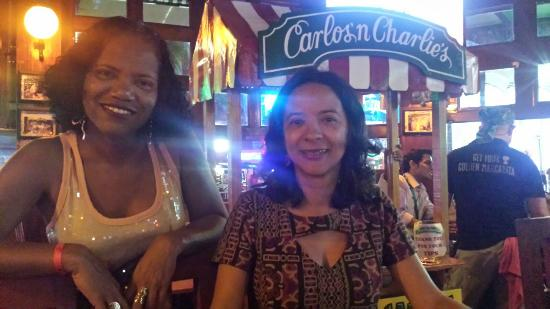 BrasilTransfers: Thais, Valeria e Silvana Restaurante Carlos and  Charles