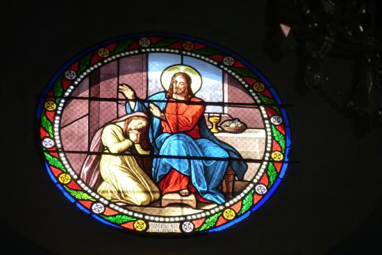 Eglise de Biot: Stained glass