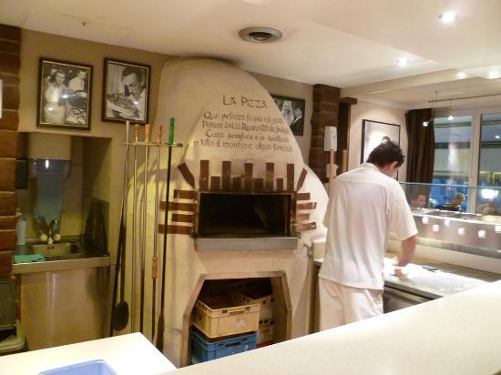 Trocadero: Holzofen-Pizza