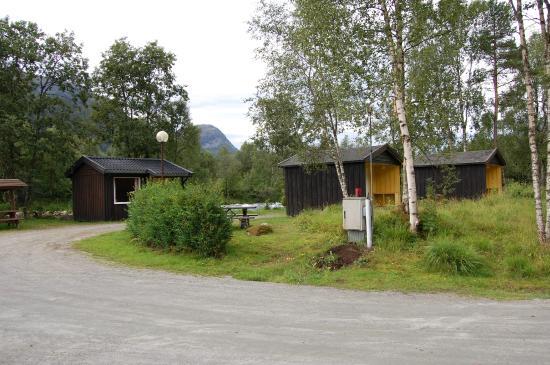 Jølstraholmen Camping & Hytter: Små hytter
