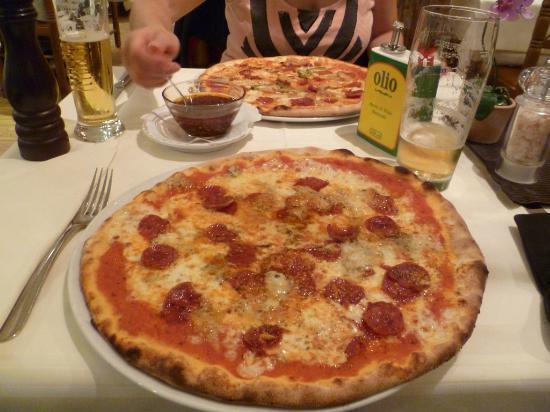 """Trocadero: Pizza """"Amore Mio"""" und Pizza """"Colosseo"""""""