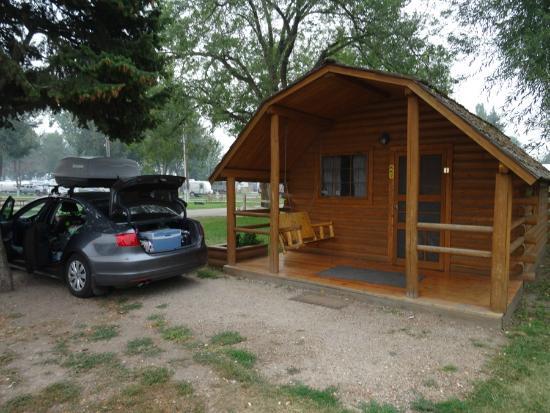 Missoula KOA: 2 room kabin.