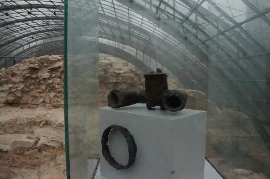 Roemische Badruine: Artifacts found in Excavations- That is a funnel to separate hot and cold water