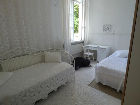 Inn 22: Room 1