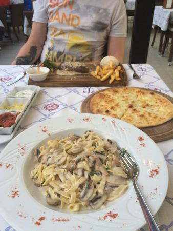 The Brothers Restaurant & Fun Pub: Mushroom tagliatelle