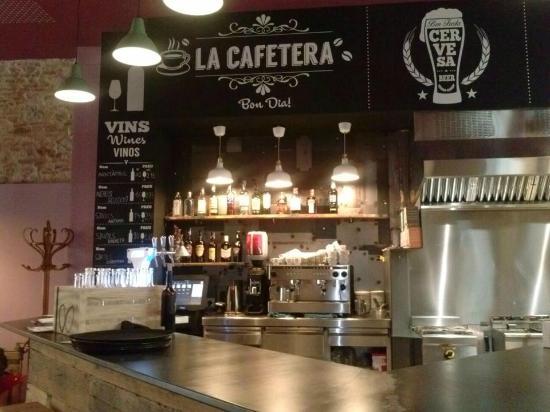 La Taverna del Barri Vell: Nuestra zona de bar, con servicio de copas y café.