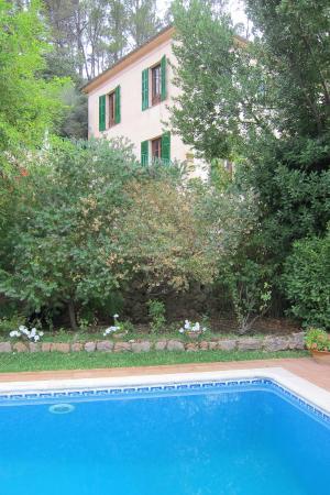Agroturisme Finca Sa Maniga: La maison depuis la piscine