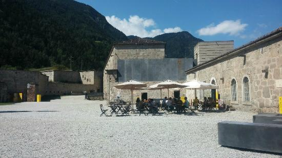 Fortezza - Franzenfeste: bar interno