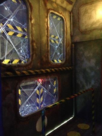 Grand Aquarium: Abyssal Inside