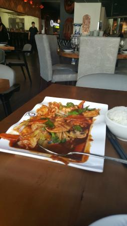 Lao Sze Chuan: Chicken and vegetables