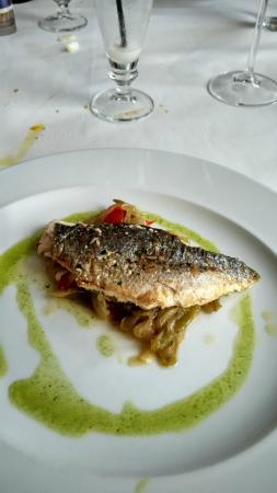 Restaurante Astillero Euskalduna: Dorada con piperrada