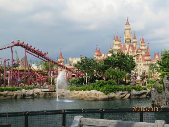Universal Studios Singapore: Castle