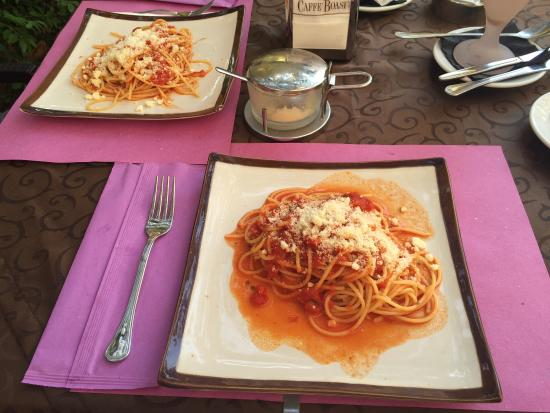 Caffe Delle Rose: The best ice-cream & fresh made spaghetti ever what we have eaten!!!