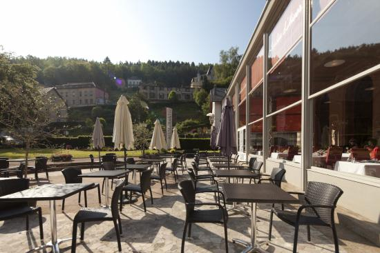 Grand Hotel Plombieres Les Bains: Terrasse extérieur