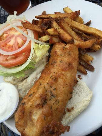 The Governor's Pub: Fried Haddock with fries.