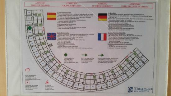 Gloria Palace San Agustín Thalasso & Hotel: Family room layout